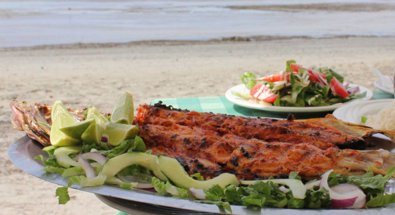 comer frente al mar